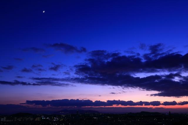 幻想的な夕日と、おいしいスイーツの贅沢な時間